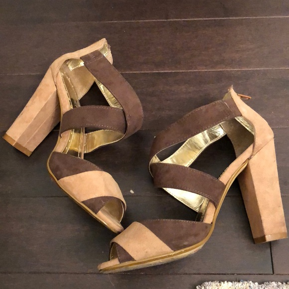 expression Shoes - Expression Strappy Chunky Heel Sandals